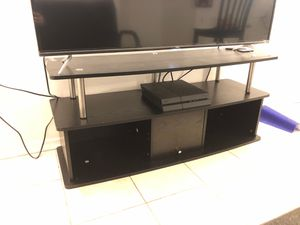 Tv/ entertainment stand for Sale in Philadelphia, PA