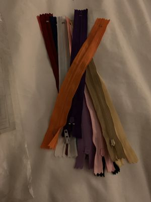 9 inch zippers for Sale in Graham, WA