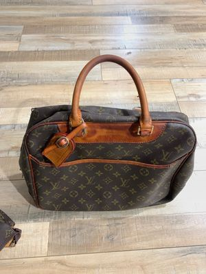 Louis Vuitton vintage bag with smaller bag for Sale in Los Angeles, CA