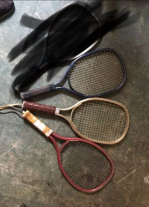 Tennis rackets Old all for $15 or each $6 for Sale in San Bernardino, CA