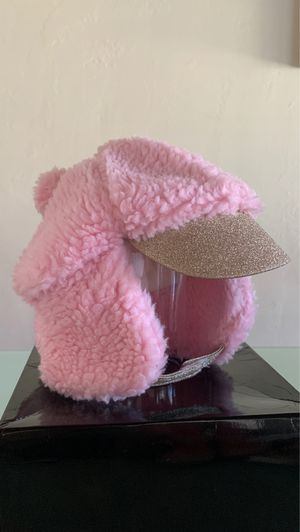 Fluffy Pink winter hat for Sale in Miami, FL