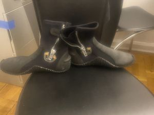 Water sports boots 5mm for Sale in Brooklyn, NY