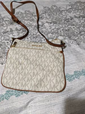 Michael Kors Womens saddle purse for Sale in Seattle, WA