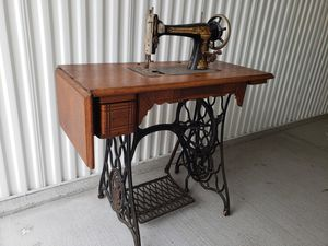 Antique sewing machine for Sale in Kenneth City, FL