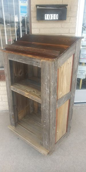 Rustic Podium With Wheels for Sale in Lancaster, TX