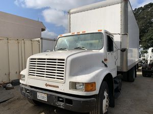 International dt4 box tractor for Sale in Santa Ana, CA