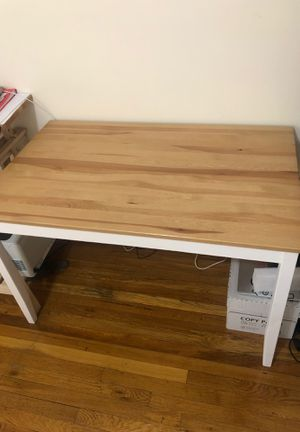 A simple desk. for Sale in Queens, NY