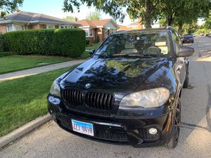 2011 BMW X5 5.0i M SPORT PACKAGE Clean Title w/CarFax for Sale in Chicago, IL