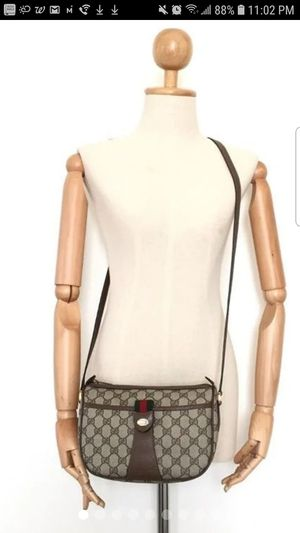 Authentic Gucci Body Bag for Sale in Hercules, CA
