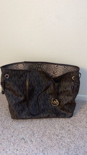 MK Purse w/ Wallet or Makeup Pouch for Sale in San Antonio, TX