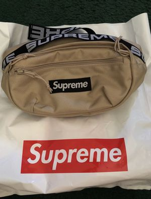 Supreme Fanny Pack for Sale in Los Angeles, CA