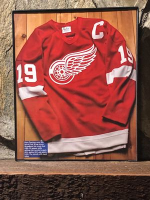 """Page from the Past : Picture of 1988-1989 Detroit Red Wings Jersey in """"8 x 10"""" glass frame. for Sale in Snellville, GA"""
