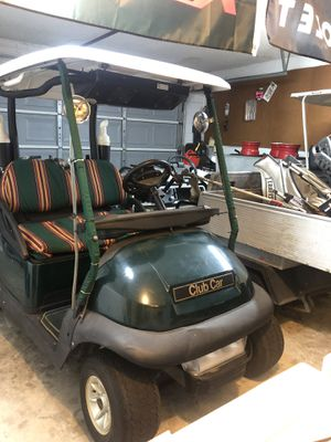 Club car W/ cold Ac & stereo system. for Sale in Oviedo, FL