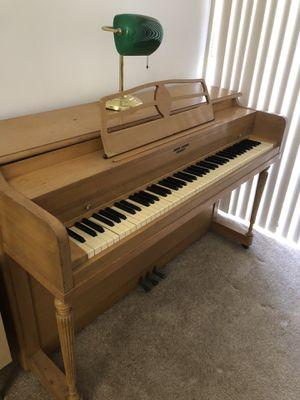 Standard Up right . Free to good home. You pick up. Working Piano needs tuning. for Sale in Miami, FL