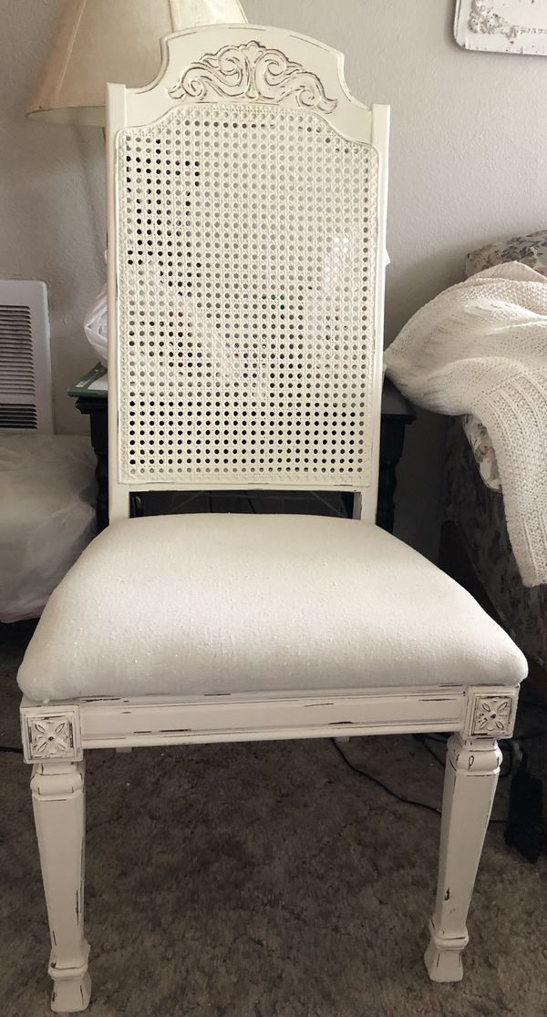 Vintage Dining Table w/4 Chairs