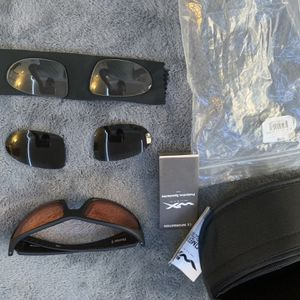 Sunglasses With Removable Lens for Sale in Los Angeles, CA