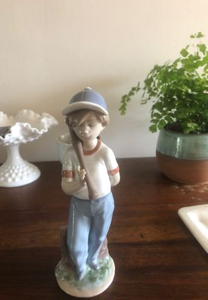 Lladro figurine for Sale in San Clemente, CA