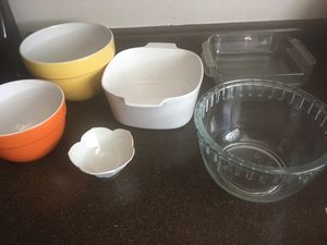 Collection of glass bowls/Pyrex pans for Sale in Salt Lake City, UT