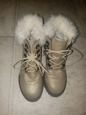 Girls size 1 boots with fur for Sale in Thornton, CO