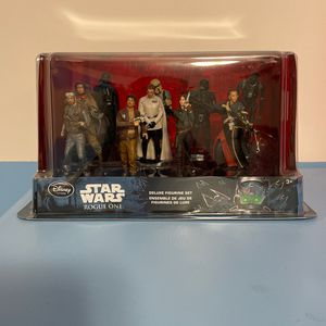 Star Wars Rouge One 2016 Deluxe Figurine Set Disney Store for Sale in Riverside, IL