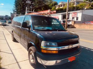 Chevy Express 3500 for Sale in Newtown, CT