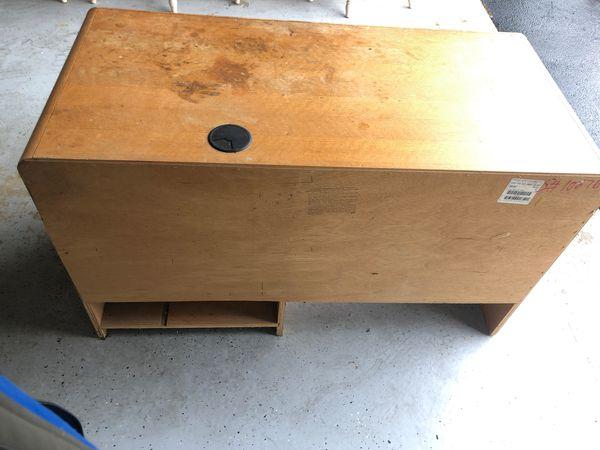 Free office desk