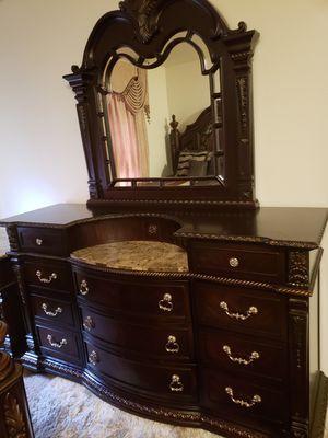 Bedroom set for Sale in Seattle, WA