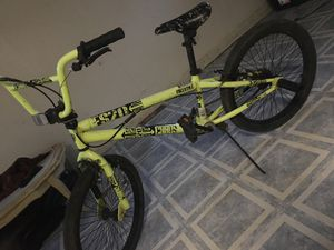 Bmx bike no rust good brakes no scratches Great condition for Sale in Lombard, IL