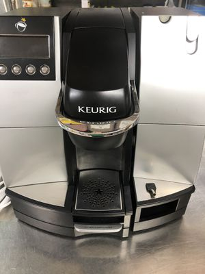 USED IN GOOD CONDITION KEURIG COFFEE MACHINE for Sale in Jessup, MD