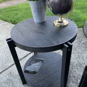 New Set Ashley Black Round Coffee & Accent Table for Sale in Gresham, OR