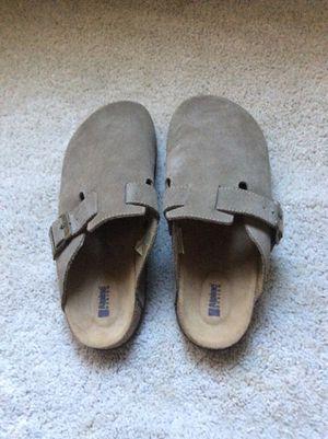Zapatos muy cómodos nuevos size 9 $20 for Sale in Palmdale, CA