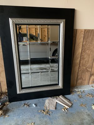 40x30 Fiona Beveled Wall Mirror. for Sale in Saint Charles, MO