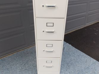 Clean Won File Cabinet for Sale in Des Moines,  WA