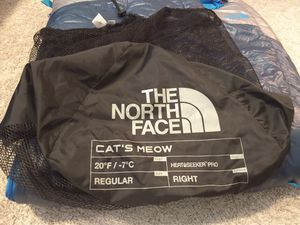 The north face sleeping bag. Cats meow-mens-20F for Sale in Houston, TX