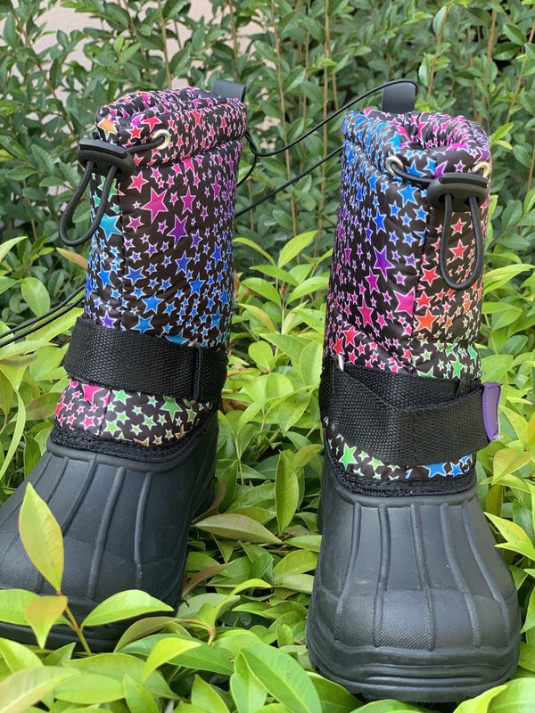 Snow boots for kids sizes 9,10,11,12,13,1,2,3,4 ... $25