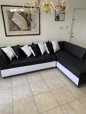 Furniture NEW SECTIONAL MUEBLES NUEVOS for Sale in Hialeah, FL