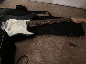 Fender guitar with bag and amp for Sale in Maple Heights, OH