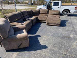 Brown recliner w/ recliner chair and chase for Sale in Hampton, VA