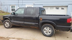 03 s10 chevy for Sale in Dubuque, IA