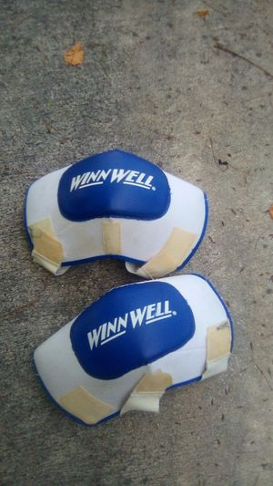 Sports knee pads very good condition for Sale in Port St. Lucie, FL