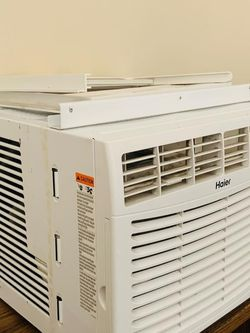 Air Conditioner Works Fine for Sale in Riverside,  CA