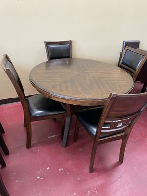 Furniture dining table 4 chairs finance available for Sale in Garland, TX