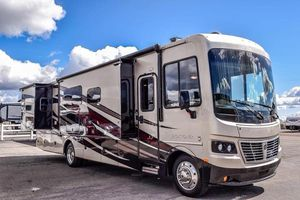 2015 Holiday Rambler Vacationer RV for Sale in South Prairie, WA