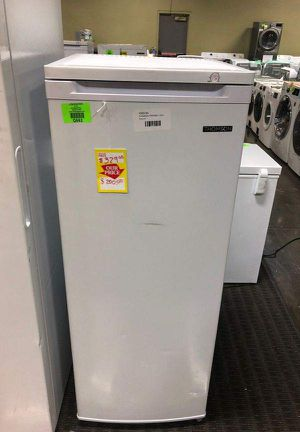 Brand New Thomson 6.5 Cu Ft Up-Right Freezer L9 SE for Sale in Seal Beach, CA