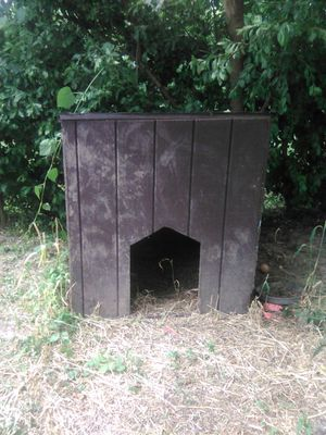 Extra Large Dog House for Sale in East Carondelet, IL