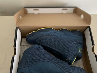 Jordan Retro 13 Squadron Blue Size 9 for Sale in Indianapolis,  IN