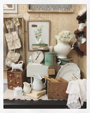 Vintage Antique Farmhouse Cottage Home Decor and Furniture for Sale in Camas, WA