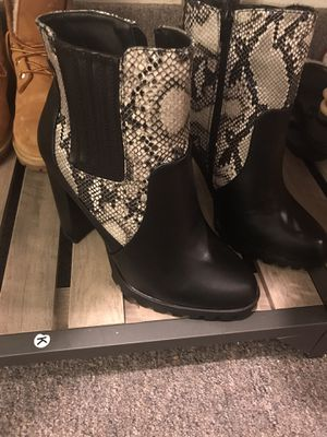 """Brand new """" shoe dazzle"""" boots (size 8.5) for Sale in Tacoma, WA"""
