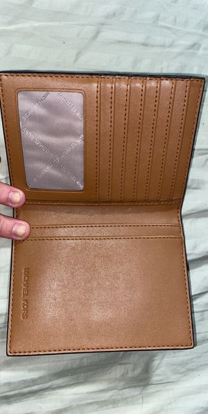 Micheal Kors wallet for Sale in Palm Springs, CA