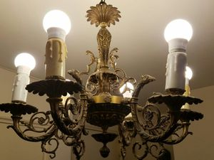 Luxury Antique Brass Chandelier for Sale in Queens, NY